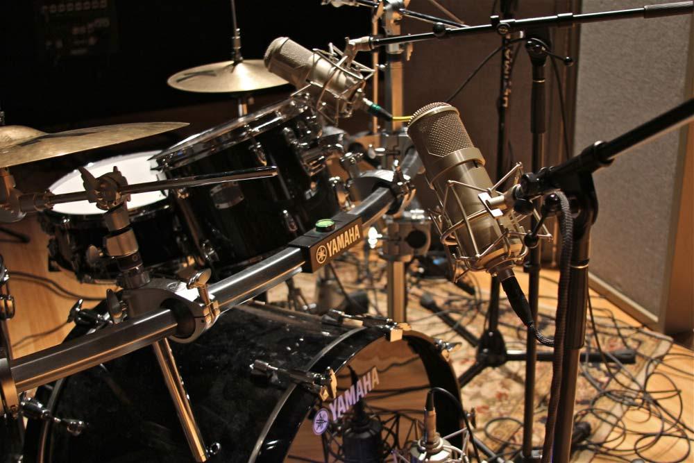 Đặt mic thu âm Drums - Sai 1 ly đi 1 dặm