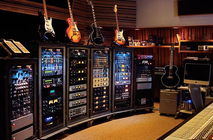 """Chris Lord-Alge không chỉ có 5 cái """"tủ lạnh"""" này đâu"""