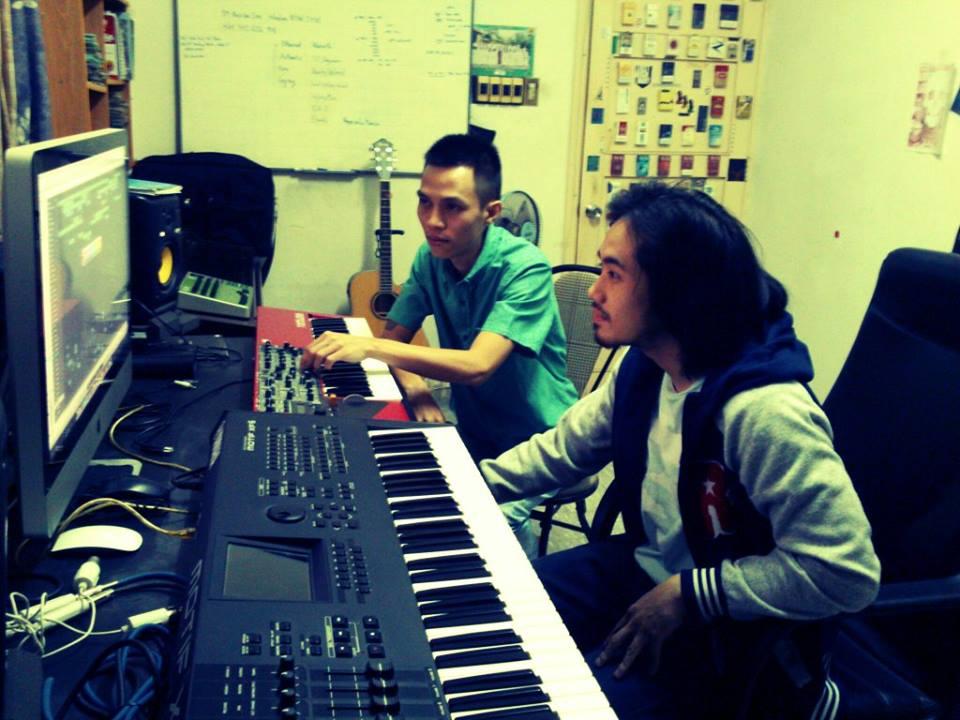 2 tác giả trong một mixing session